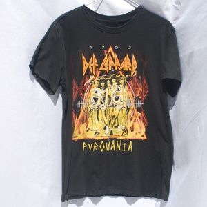Tops - Def Leppard | Black Pyromania Graphic Band Tee - M
